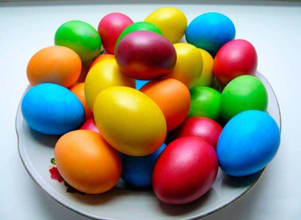 как красить яйца на Пасжу